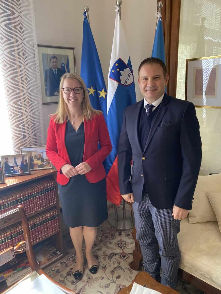 Ministrica dr. Jaklitsch na obisku v Argentini