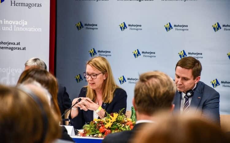 """Ministrica dr. Jaklitsch """"Skupno 2021-Gemeinsam"""""""