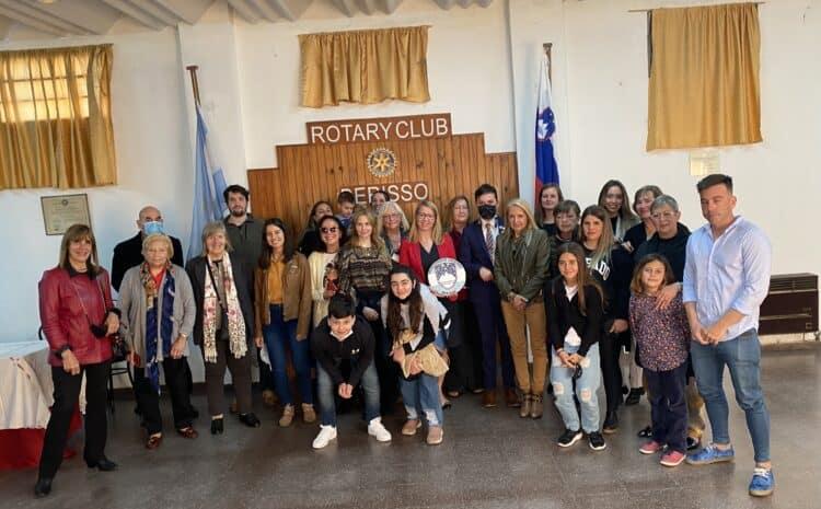 Ministrica dr. Jaklitsch med rojaki v Argentini